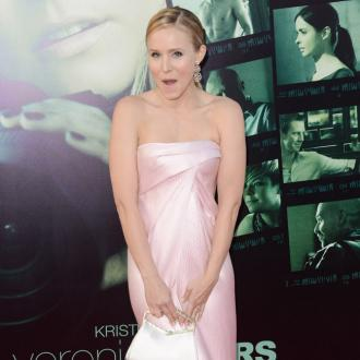 Kristen Bell Has Romantic Husband