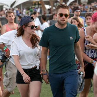 Robert Pattinson To Spend Christmas With Kristen?