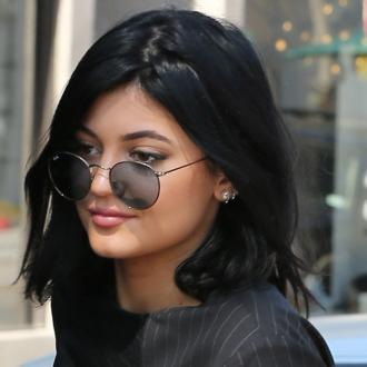 Kylie Jenner Gets New Range Rover For Birthday