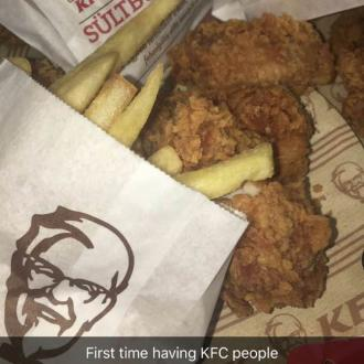 Kylie Jenner eats first ever KFC meal