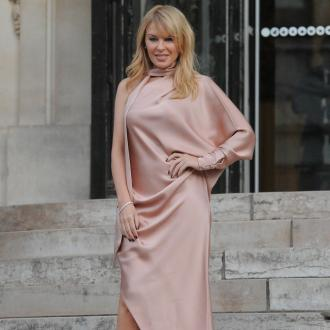 Kylie Minogue: I'm happy to b single