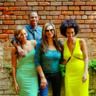 Jay Z, Beyonce And Solange Knowles Post New Pictures Together