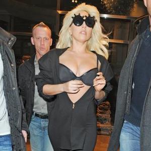 Lady Gaga Splits From Boyfriend?