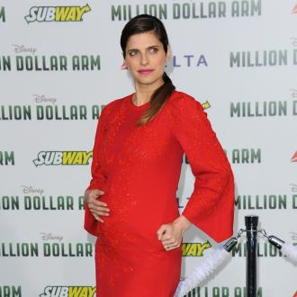 Lake Bell struggles with maternity style