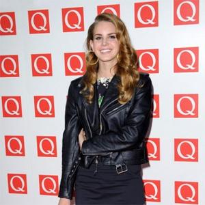 Lana Del Rey Says Love Is 'Electrifying'