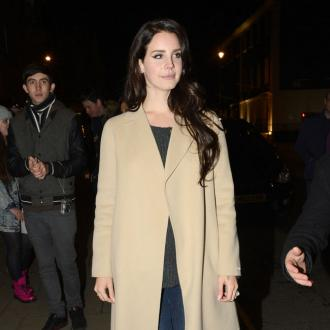 Lana Del Rey Still Gets Stage Fright