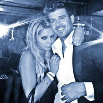 Woman At Centre Of Robin Thicke 'Butt-grab' Speaks Out
