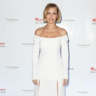 Lara Bingle Steps Back From Social Media