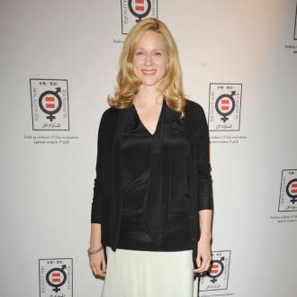 Laura Linney: My Appearance Shocks People