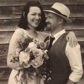 Laura Prepon and Ben Foster tie the knot
