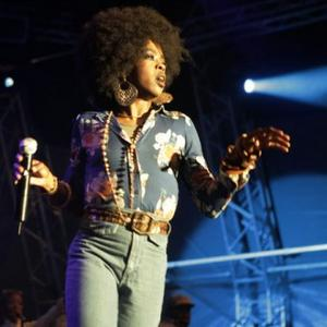Lauryn Hill To Give New Year's Eve Show