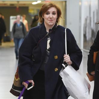 Lena Dunham avoids using Twitter