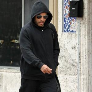 Lenny Kravitz Lives In A Trailer