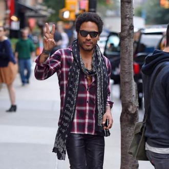 Lenny Kravitz wants women to run world