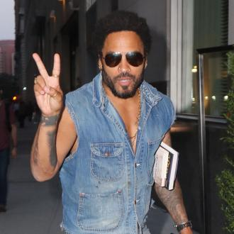 Lenny Kravitz accidentally flashes audience