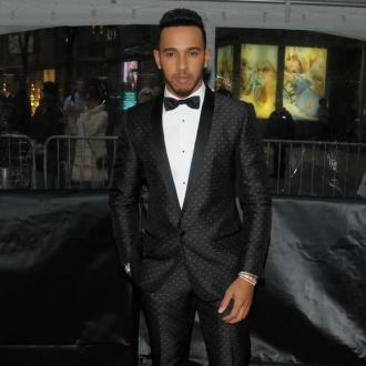 Lewis Hamilton lands Tommy Hilfiger contract
