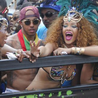 Lewis Hamilton to take Rihanna on cruise