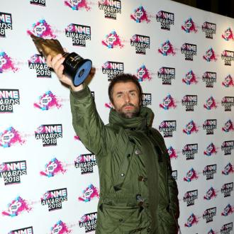 Liam Gallagher's no Yoga star