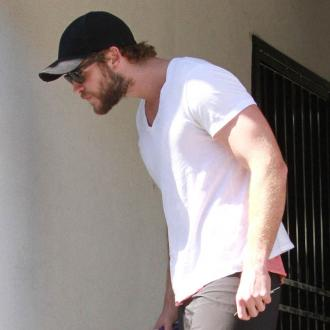 Liam Hemsworth Joins Twitter