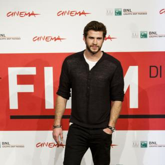 Liam Hemsworth Injures Ankle