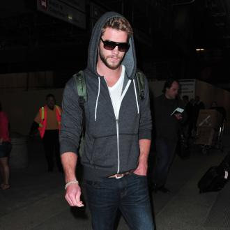Liam Hemsowrth Returns To La After Split From Miley Cyrus