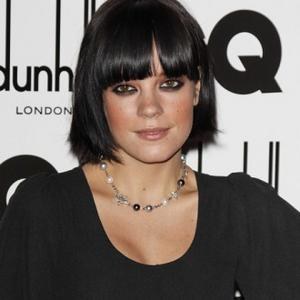 Lily Allen Buys Country House