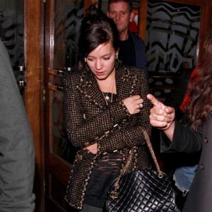 Lily Allen Swaps Pop For Cushions
