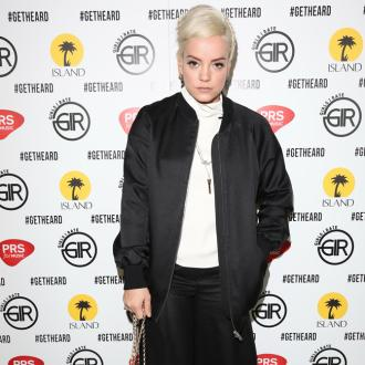 Lily Allen didn't see lesbian sex sessions as cheating