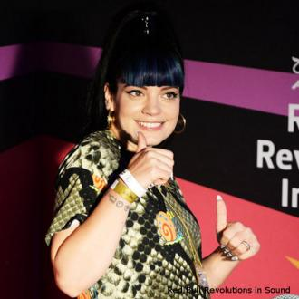 Lily Allen Slams Grammys Over Lorde Snub