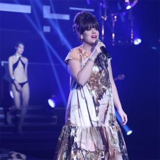 Lily Allen makes live return