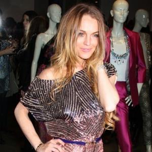 Email Addict Lindsay Lohan