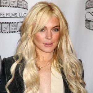 Lindsay Lohan Visits Women's Centre