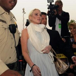 Lindsay Lohan In Talks To Play Elizabeth Taylor
