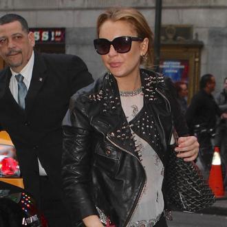Lindsay Lohan Struggling In Rehab