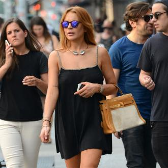 Lindsay Lohan Has Cut Ties With Sobriety Circle?