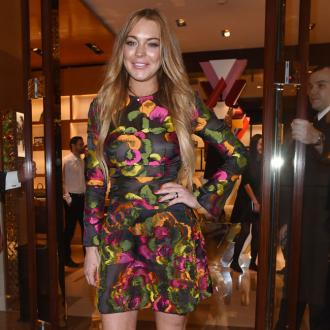 Lindsay Lohan 'to write style and fashion book'