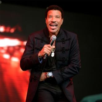 Wedding singer Lionel Richie