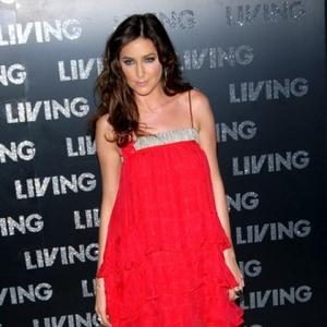 Lisa Snowdon Has Viral Meningitis