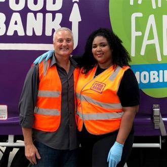 Lizzo Volunteers At Australian Foodbank
