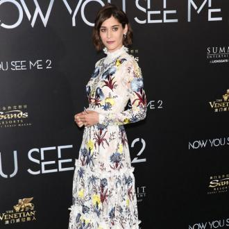 Lizzy Caplan Doesn't Like To Work Out