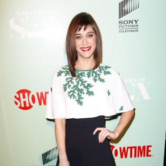 Lizzy Caplan Loves Retro Wardrobe