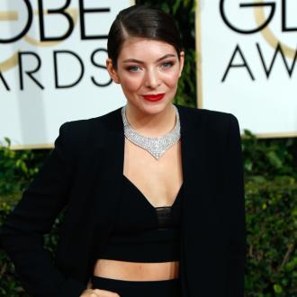 Lorde: I'm a 'giant loser'