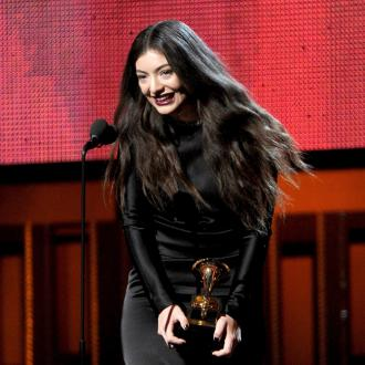 Lorde Thanks Fans After Grammys Win