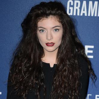 Lorde Checks Instagram Every Hour