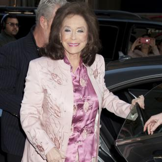 Loretta Lynn recovering after stroke