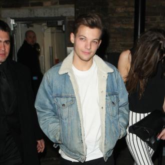 Louis Tomlinson Parties With Dwarf Stripper?