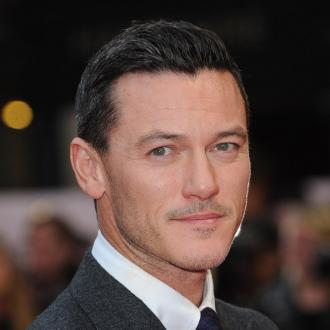 Luke Evans injured by over-sized fangs on Dracula Untold
