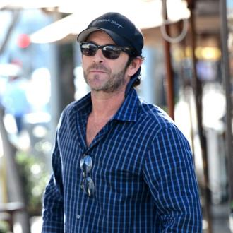 Luke Perry pays tribute to Shannen Doherty