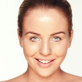 Lydia Bright Ditches Make-up
