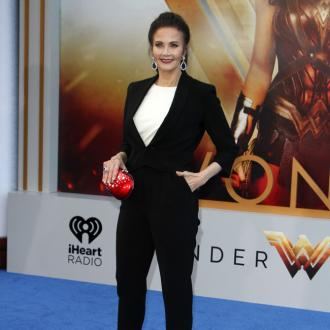 Lynda Carter in talks for Wonder Woman sequel